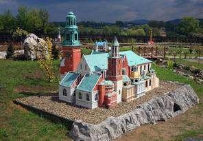 Parki i skanseny miniatur